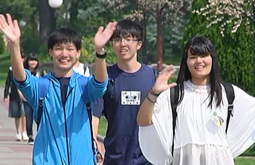 Более ста детей из Японии отдохнут в белорусском лагере «Зубрёнок»