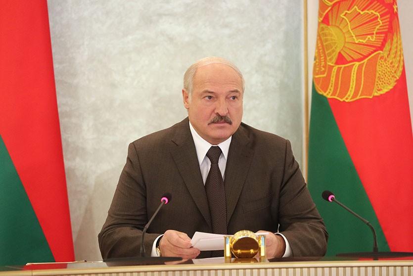 Лукашенко: Белорусская армия является инструментом недопущения войны