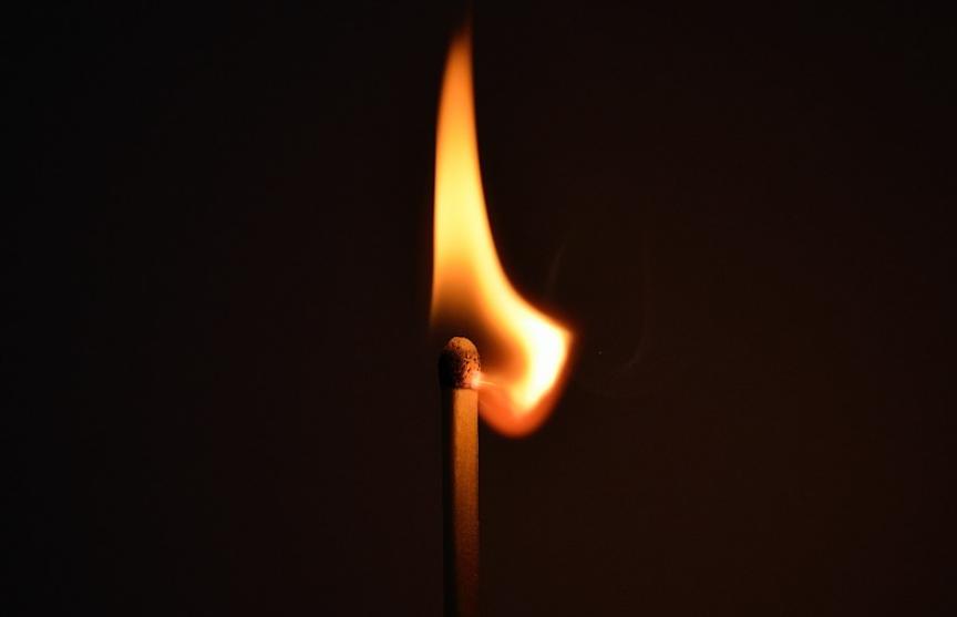 В Гродно из-за пожара в квартире погиб один человек, второй в тяжелом состоянии