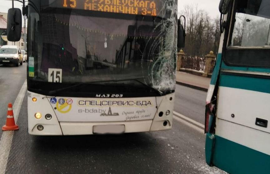 ДТП в центре Гродно: столкнулись два автобуса