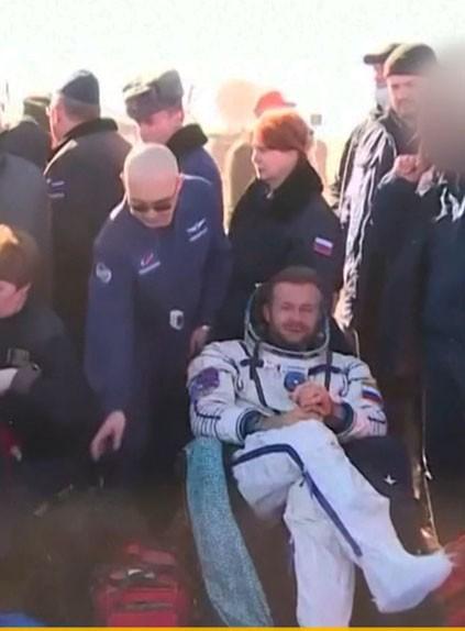 Актриса Пересильд, режиссер Шипенко и космонавт Новицкий вернулись на Землю с МКС. Как прошел полет?
