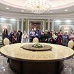 Участники автопробегов «За единую Беларусь» посетили с экскурсией Дворец Независимости