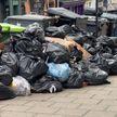 В Англии не справляются с уборкой коммунальных отходов. Неприятный запах вторую неделю мучает британцев