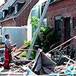 Торнадо оставил баррикады из веток и покорёженных машин на западе Германии (ВИДЕО)