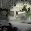 Появилось видео аварии в Минске, в котором машина по пути в кювет сбила на тротуаре пешехода
