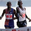 Бегун из Кении обогнал соперника за секунду до его финиша (ВИДЕО)