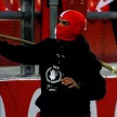 Полсотни фанатов выбежали на поле, прервали матч и избили болельщиков «Баварии»