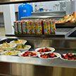 Всех белорусских школьников теперь будут кормить одинаково