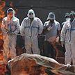 COVID-19: в Индии символом трагедии стали погребальные костры