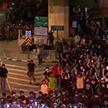 Протесты не утихают в Таиланде: толпа нападает на полицейских