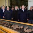 Новые сорта, технологии возделывания, хранение, переработка. Лукашенко посетил предприятие с самой высокой урожайностью картофеля в стране