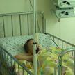 Витебским врачам удалось спасти мальчика, выпавшего из окна пятого этажа