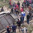 Грузовик упал с 50-метровой высоты в Непале: 20 человек погибли