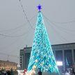 100 километров сверкающих линий и 3000 гирлянд. В Минске включили новогоднюю иллюминацию