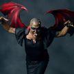 В США банкир потратил около $75 тыс, чтобы стать женщиной-драконом