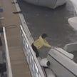 Мужчина захотел полюбоваться рассветом с яхты. В итоге его арестовали