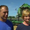 Уборочная-2020: семейный экипаж Макаренко из агрокомбината «Заря» намолотил свою первую тысячу тонн зерна