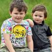 «Настоящий супергерой»: 7-летний мальчик прыгнул в реку и спас младшего брата