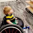 Реклама одежды с мальчиком в инвалидной коляске осчастливила больного ребёнка