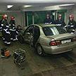 Машина оказалась в подземном переходе после аварии в Минске