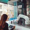 Робот-бариста делает кофе в Южной Кореи (Видео)