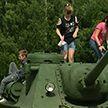 В мемориальном комплексе «Буйничское поле» появилась противотанковая самоходная артиллерийская установка СУ-100