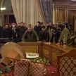 В Ереване протестующие ворвались в здание правительства