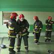 МЧС просит жильцов многоэтажных домов, которые вывешивают  негосударственную символику, вспомнить о правилах пожарной безопасности