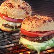 Что еще, кроме шашлыка? Бургеры на мангале – просто фантастика! Делимся наивкуснейшим рецептом