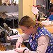 Бобруйская швейная фабрика «Славянка» шьет 120 тысяч медицинских масок в сутки