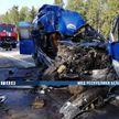 Маршрутка врезалась в стоящую фуру на трассе M14: двое пассажиров погибли