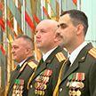 Министр обороны вручил награду лейтенанту, спасшему солдата на тренировке в Печах
