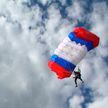 Свободный полёт: в Витебске прошел Первый открытый чемпионат ветеранов-парашютистов