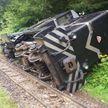 Туристический поезд с 340 пассажирами опрокинулся в ущелье Румынии