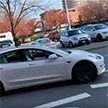В Канаде Tesla ехала по встречной полосе без водителя (ВИДЕО)