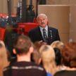 «Где бы вы ни были, вас видят те, кто надо»: Лукашенко рассказал, почему не пользуется смартфоном