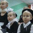 «Наши дети»: воспитанников социально-педагогического центра в Гродно поздравили военные