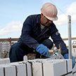 Минстройархитектуры изменит порядок начисления зарплаты строителям