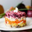 Рецепт селедки под шубой от Сергея Жукова. Секрет в ароматном соусе