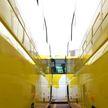 Огромный лабиринт из автобусов появился в Японии: посетители под впечатлением