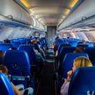 Пассажиры рассказали, что на борту самолета их больше всего раздражает