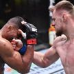 Российский боец Александр Волков нокаутировал Алистара Оверима на турнире UFC