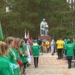 Аллея славы: 44 дерева посадили в память о героическом бое в июне 1944-го в «Узречье»
