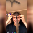 Девушка самостоятельно обрезала себе челку, но пожалела об этом (ВИДЕО)