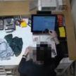 Продавщица присвоила себе забытые клиентом очки в магазине стоимостью  свыше 1200 рублей  (ВИДЕО)
