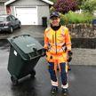 Мэр шведского города Гетеборга решила уйти из политики. Теперь она работает водителем мусоровоза