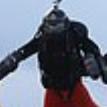 Британец пролетел над Ла-Маншем в реактивном костюме со скоростью 134 км/ч