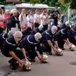 Медики и пожарные Франции протестуют против принудительной вакцинации