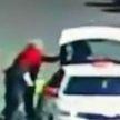 Кровная обида. Мужчина полоснул бывшего коллегу ножом по лицу в Гомеле (ВИДЕО)