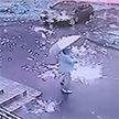 Дождь из искр пролился на прохожих во время грозы в Санкт-Петербурге